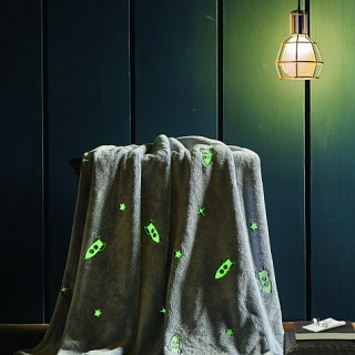Spura Rockets Glow in the Dark Throw