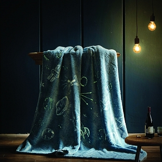 Spura Spaceship Glow in the Dark Throw