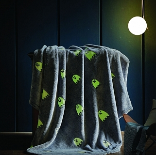 Spura Ghosts Glow in the Dark Throw