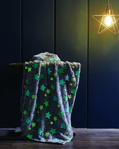 Spura Cluster of Stars Glow in the Dark Throw